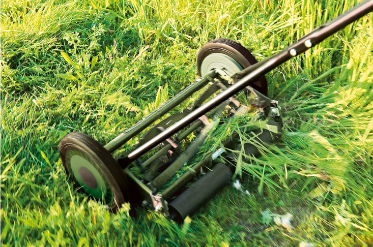A Manually Operated Lawnmower is available seasonally (currently out of stock); €0 from Manufactum. For more, see Clean Mowing: Reel Mower Roundup.
