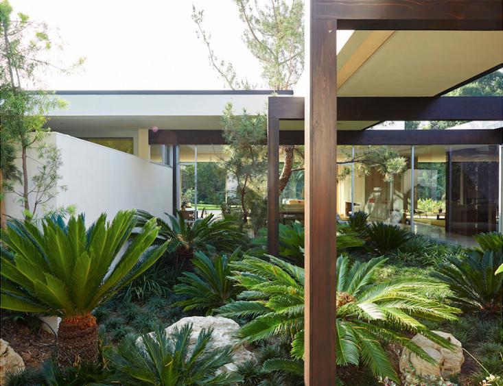 kronish_house_3_neutra_asla_marmol-radziner_gardenista