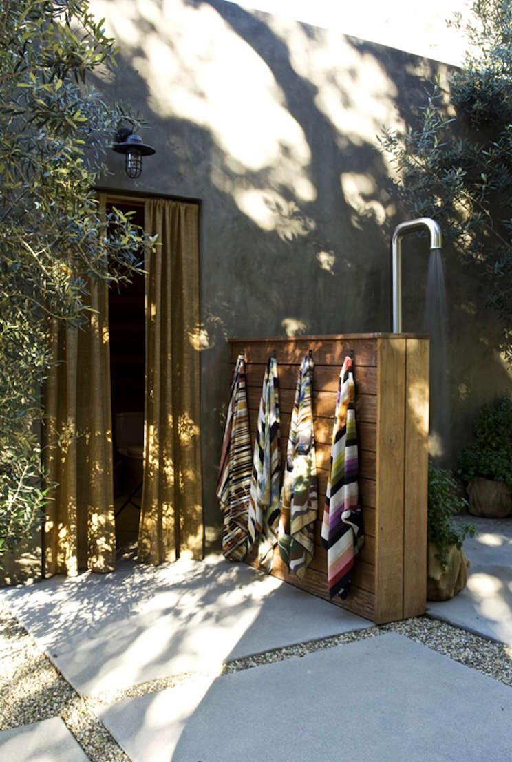 outdoor-shower-alexander-designs-serra-barn30