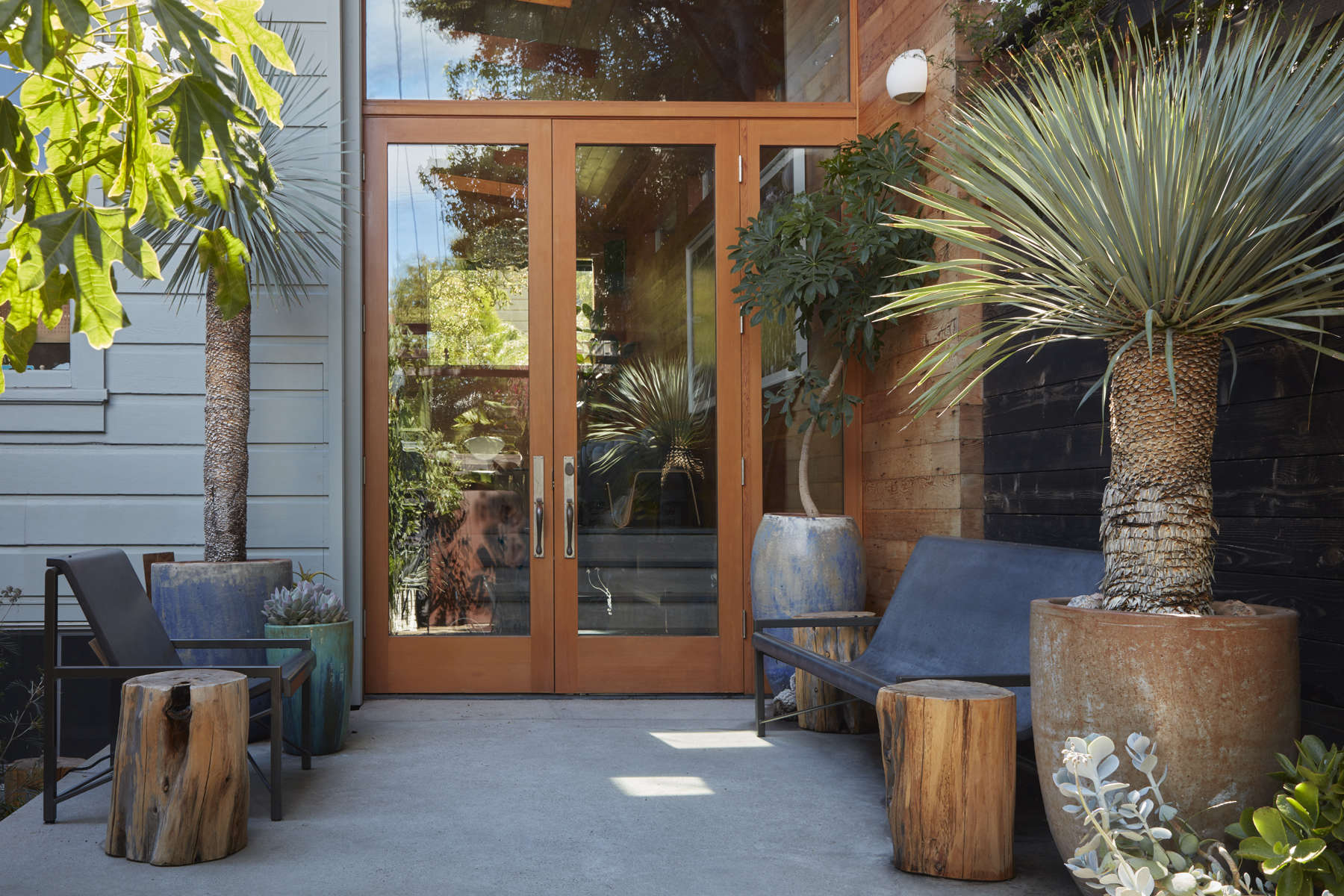 Daniel Nolan designed this entryway to a Mission District home. Photo by Caitlin Atkinson