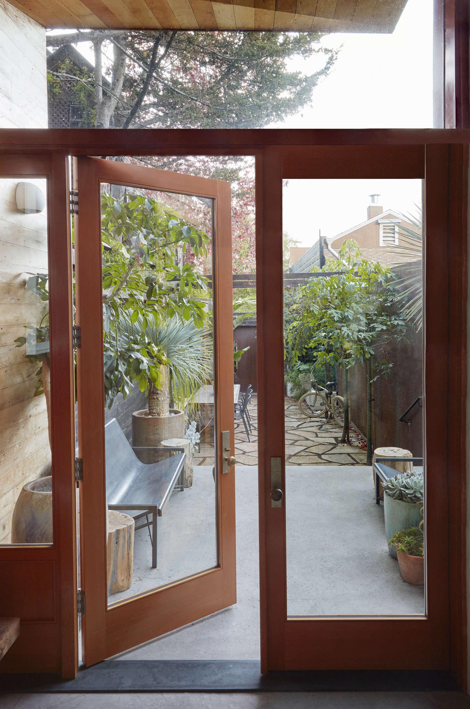 shotwell-entry-interior-nolan
