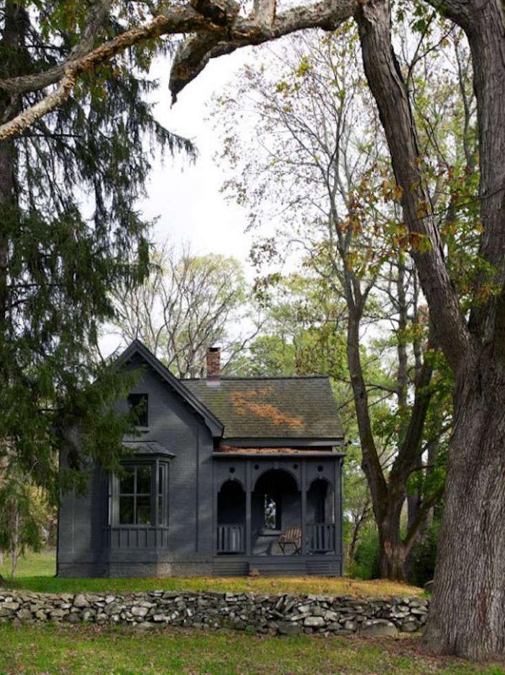 tsao-mc-kown-upstate-farmhouse-facade