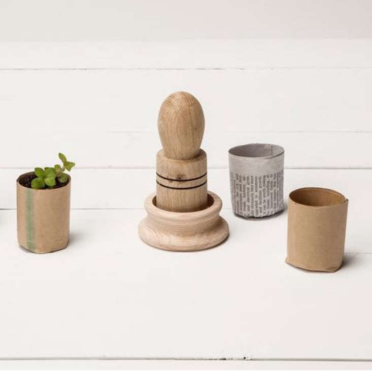 shed_paper-pot-maker_gardenista_obsessions