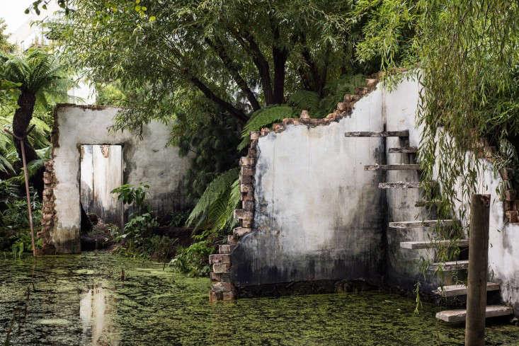 alex-hartley-collapsing-ruins-victoria-miro-exhibit