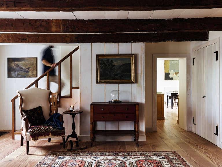freemans-book-taavo-somer-living-room-768x577