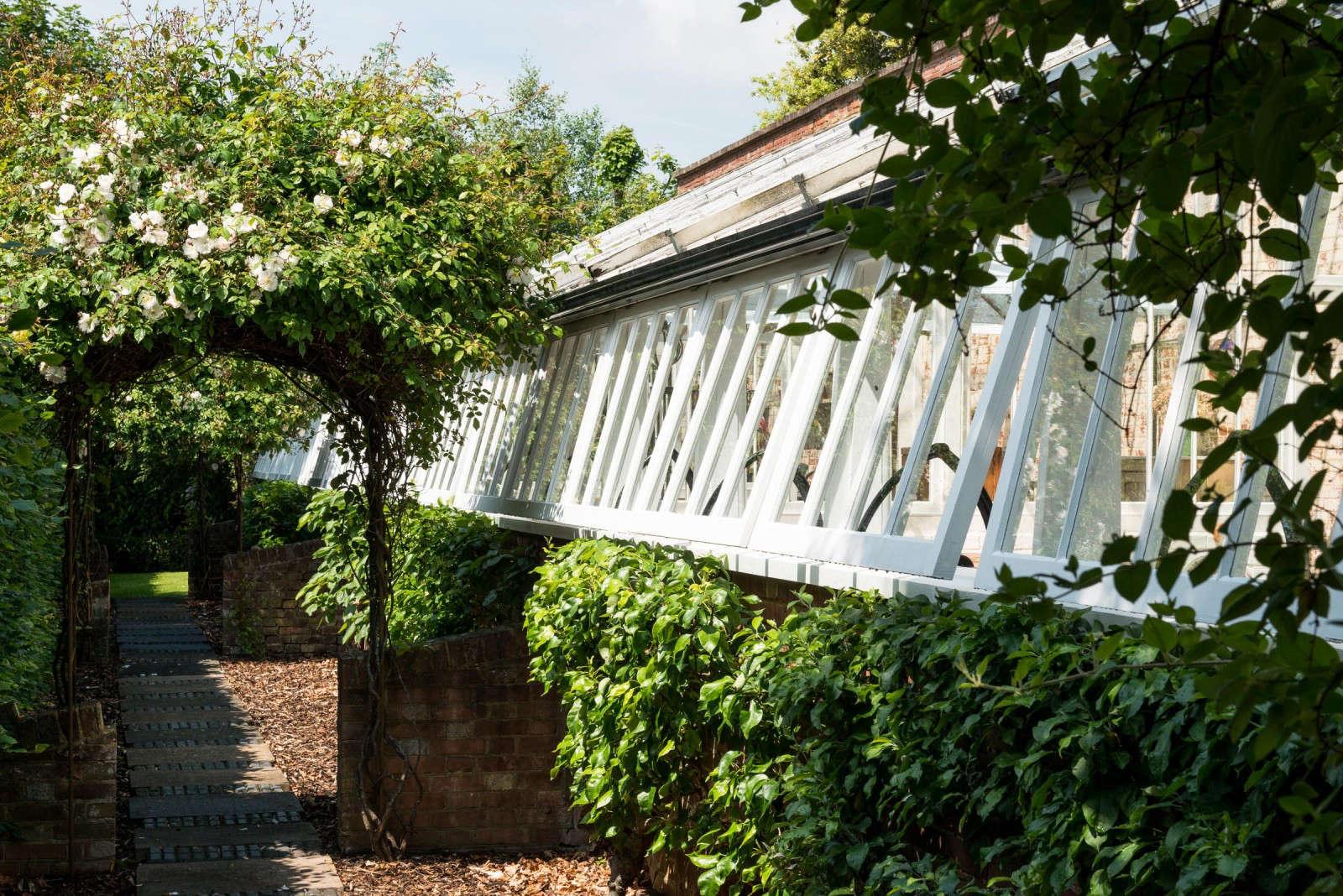 greenhouse-conversion-kent-themodernhouse-arbor-path-6