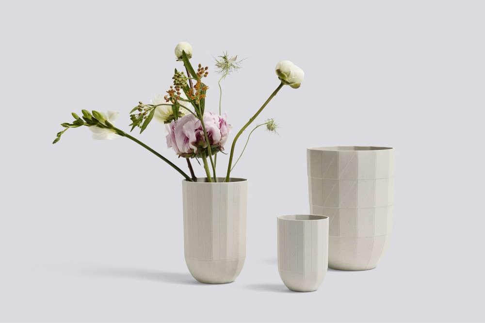 hay-paper-porcelain-vase-moma