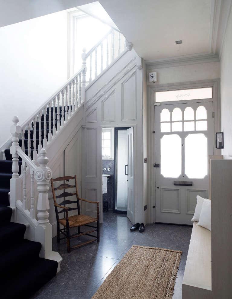 spencer-fung-house-hallway-richard-powers-768x990