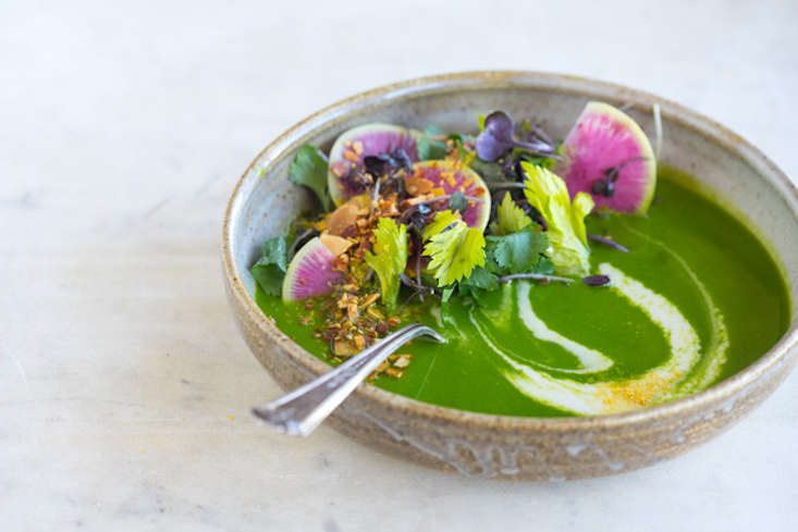alkalizing-green-soup-gardenista-current-obsessions