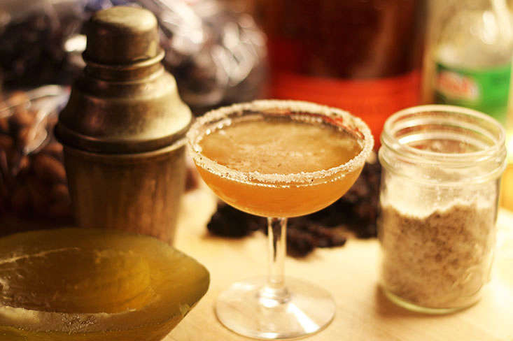 bourbon-fir-sugar-cocktail
