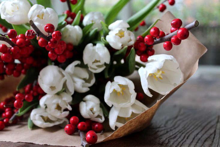 tulips-on-the-bulb-michelle-slatalla-img-3710