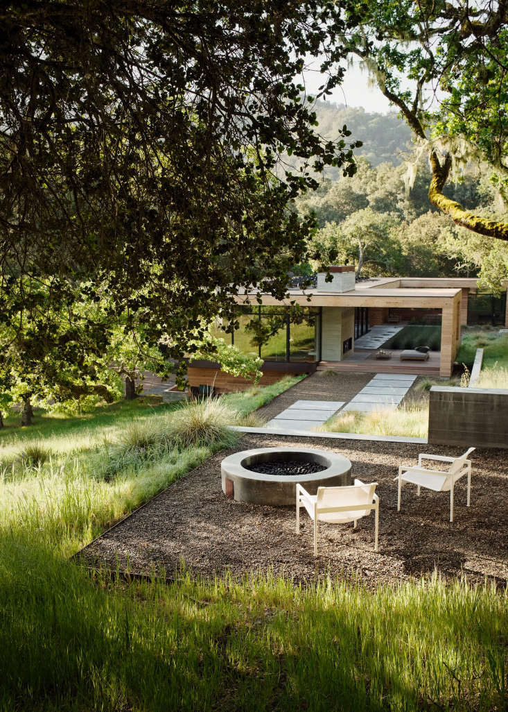 For more of this project, see Landscape Architect Visit: The California Life, Outdoor Living Room Included. Photograph by Joe Fletcher courtesy of Sagan Piechota Architecture.