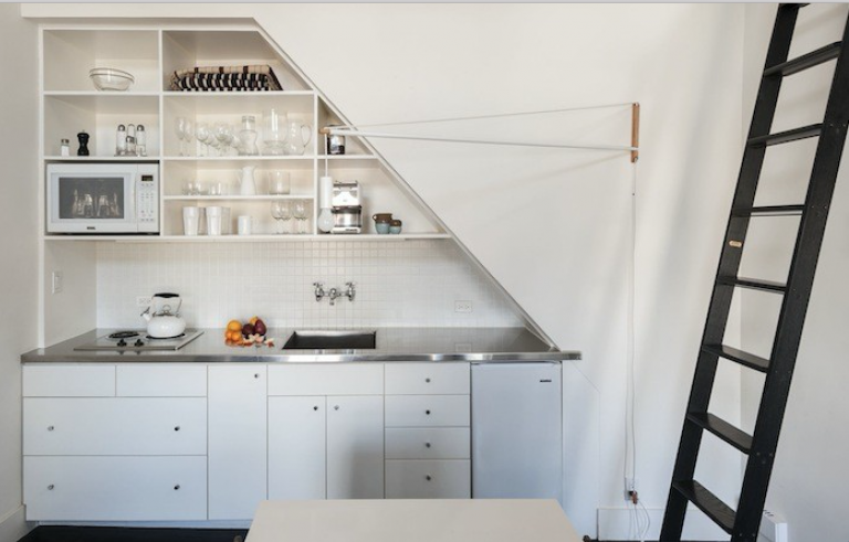 Compact-Kitchen-Stainless-Countertop-Matthew-Williams-Photo-Remodelista-768x491
