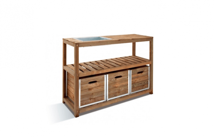 A three-drawerPreparation Table made of European pine is a commodious 5loading=