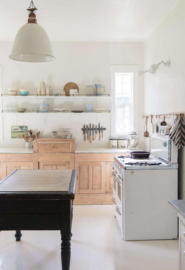vintage-whites-blog-kitchen-remodel-old-stove-pendant-light