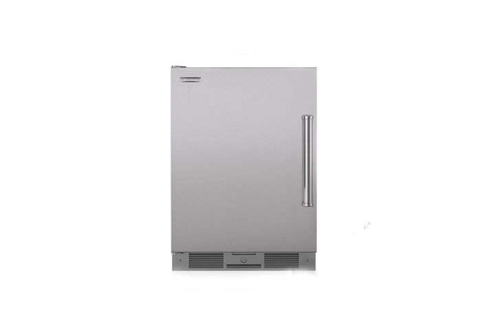 Sub-Zero&#8\2\17;s built-in Outdoor Undercounter Refrigerator has a manufacturer&#8\2\17;s suggested retail price of \$\2,830.