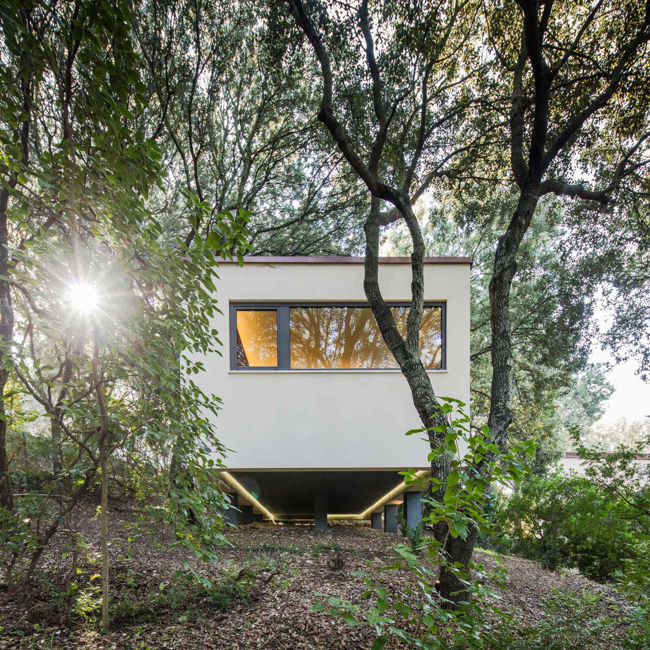 modern-white-stucco-house-in-sardinia-modern-landscape