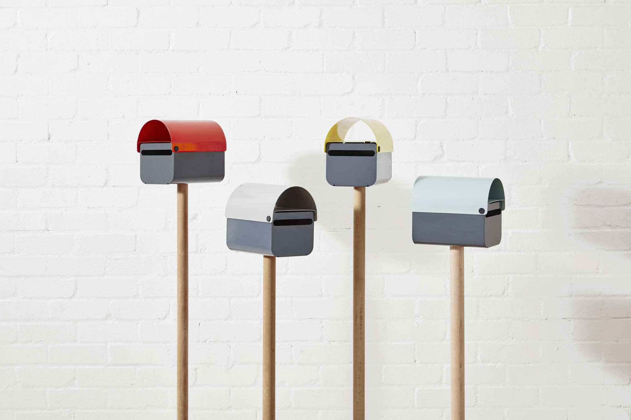 tomtom-lockable-letterbox-mailbox-four-colors