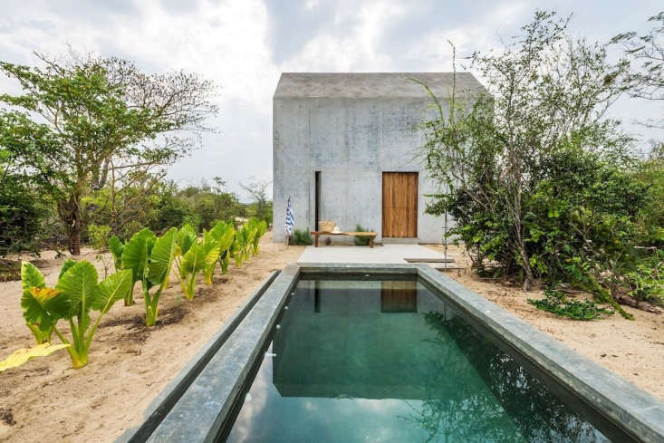 Intrigued by our recent post about A Tiny Casita You Can Rent in Mexico, Margot tracked down the architect for an interview.