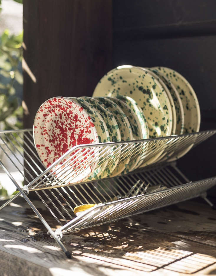 March carries a large selection of Spatterware Plates from Italy&#8