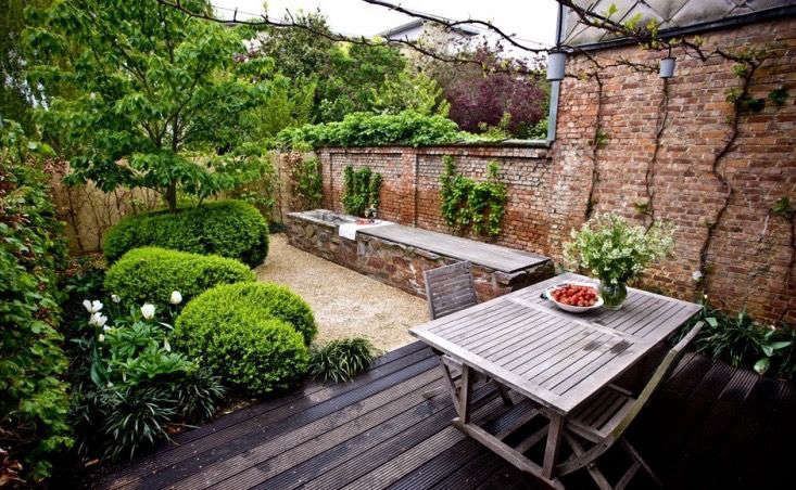 A courtyard garden in Belgium by Archi-Verde. For more, see Steal This Look: The Spirit of Provence in a Walled Belgian Garden
