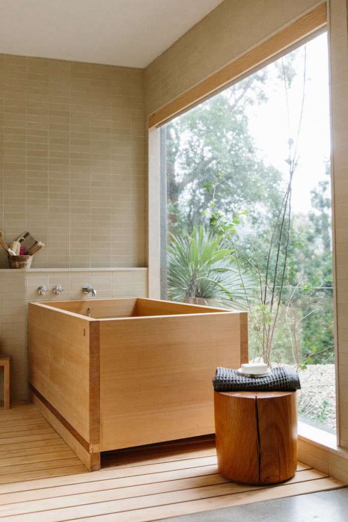 Shamshiri purchased the Schindler house in \2008 and completely remodeledits interiors. Thedeck, garden, and master bath were the last to be completed. In the bath, which she describes as a sanctuary, area Japanese soaking tub and plenty of natural light.
