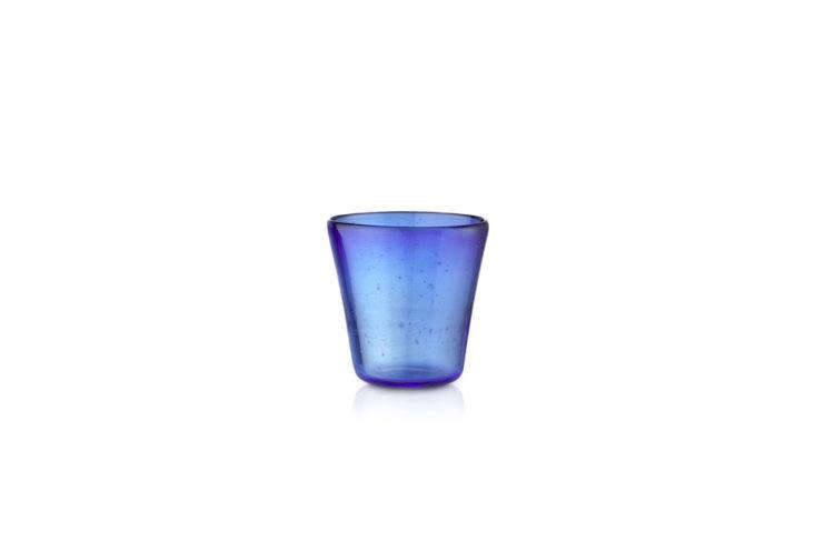 Alexa rounds up her favorite colored glass tumblers in this week&#8\2\17;s \10 Easy Pieces post.
