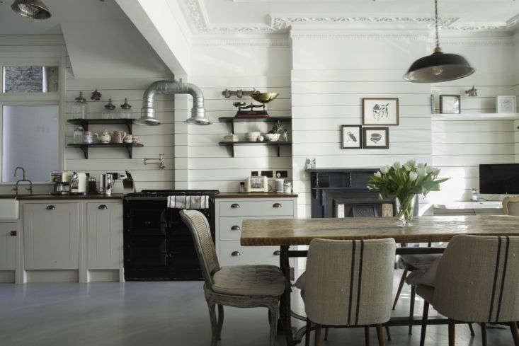 Our Kitchen of the Week is a proper English kitchen with New England-style shiplap paneling. Photograph courtesy of British Standard.