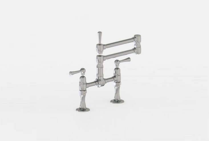 In this week&#8\2\17;s \10 Easy Piecespost, we&#8\2\17;ve rounded up our favorite articulated deck mount faucets.