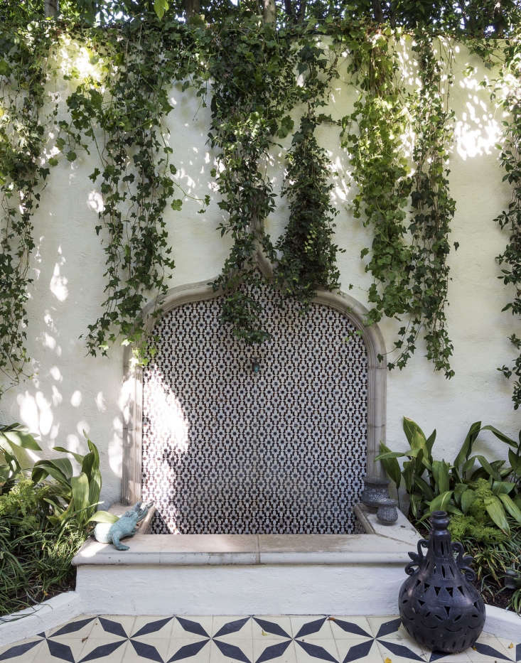 Influenced by the ornate tile workat the Alhambra in Granada, Spain, designers (and siblings) Ramin and Pamela Shamshiri designed a modern fountain for Ramin&#8\2\17;s Los Angeles garden. For more of this garden, see our new bookGardenista: The Definitive Guide to Outdoor Spaces. Photograph by Matthew Williams for Gardenista.