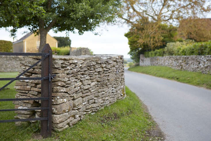 You will rarely find these walls in areas that have no natural stone resources says Richard Ingles of Cotswold Walls, Trees and Fences.