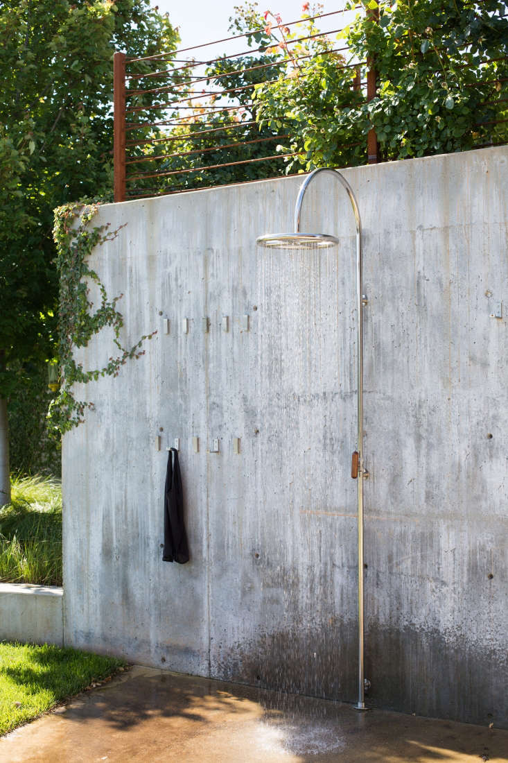 The idea behind the simple outdoor shower was to make the experience feel &#8\2\20;like going to the beach and washing off,&#8\2\2\1; says Stickley.
