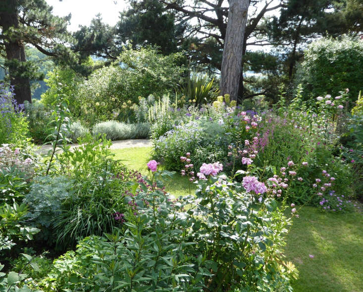 Perennial borders at Kiftsgate Court; photograph by Clare Coulson. For more, see \10 Ideas to Steal from the Romantic Gardens at Kiftsgate Court.