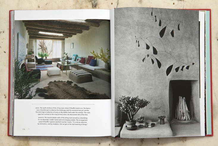 As an interior designer, artist Georgia O&#8\2\17;Keeffe had an &#8\2\20;ultra-simple style that has proved the most timeless&#8\2\2\1; among her peers, writes Kendra in this week&#8\2\17;s Required Reading post.
