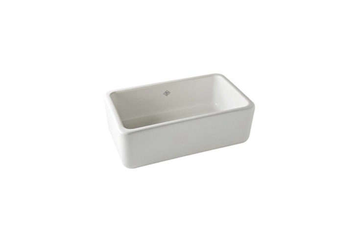 We&#8\2\17;ve rounded up our \10 favorite white farmhouse sinks in this week&#8\2\17;s \10 Easy Pieces post.