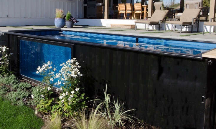 The Modpool prototype at the Ranthams&#8\2\17; home in Abbotsford, not far from Vancouver, has been thoroughly tested by their three children. &#8\2\20;Sometimes,&#8\2\2\1; says Paul, &#8\2\20;the kids will be playing in the pool while I relax in the hot tub.&#8\2\2\1;
