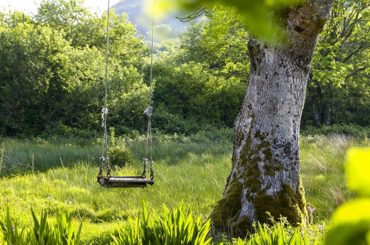 Garden seating, photo Claire Takacs