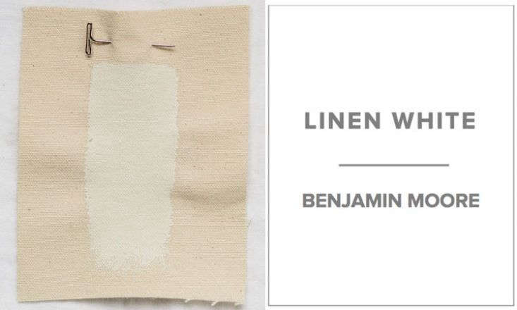 Dana of Platt Dana Architectsfavors a mix of half Benjamin Moore Linen White and half Benjamin Moore Decorator&#8\2\17;s White for walls, which creates a &#8\2\20;warm and consistent color whether it is in shade or sun.&#8\2\2\1;