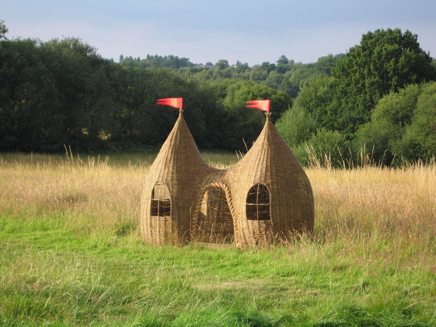 Judith Needham of Surrey, England, is another willow weaver who makes her own designs (including baskets), and came up with her first playhouse for her own daughter. Her largest construction, The Dreaming Spires Willow Playhouse, £