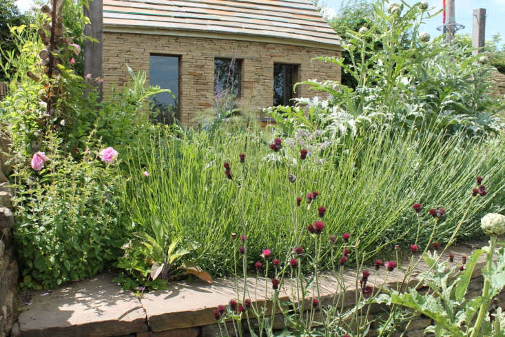 South Pennine Walling submitted the Walled Pennine Garden in Hood Green, England, picked by guest judge Rita Konig: &#8