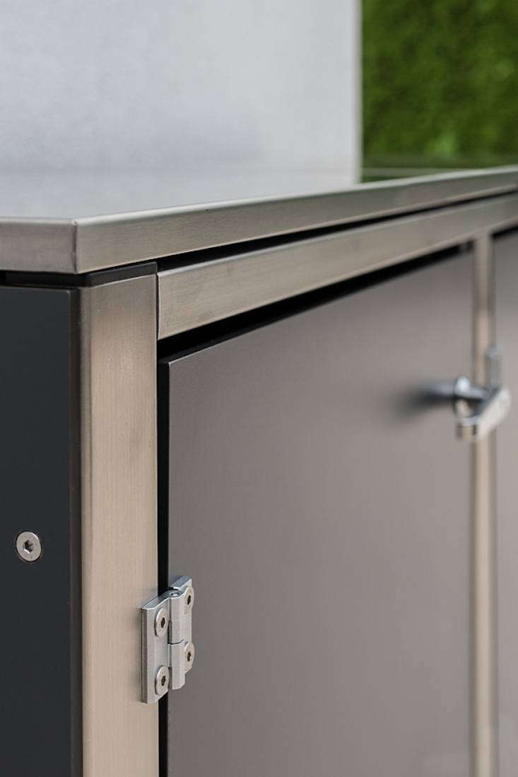 Rustproof hinges and handles stand up to winter weather.