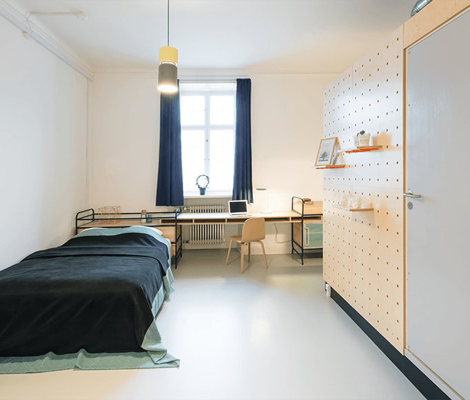 Borrow a few ideas from state-of-the-art student housing: BaseCamp designer dorm in Copenhagen by Studio Aisslinger. See more in\1\1 Hostel-Style Lodges for the New International Nomad.