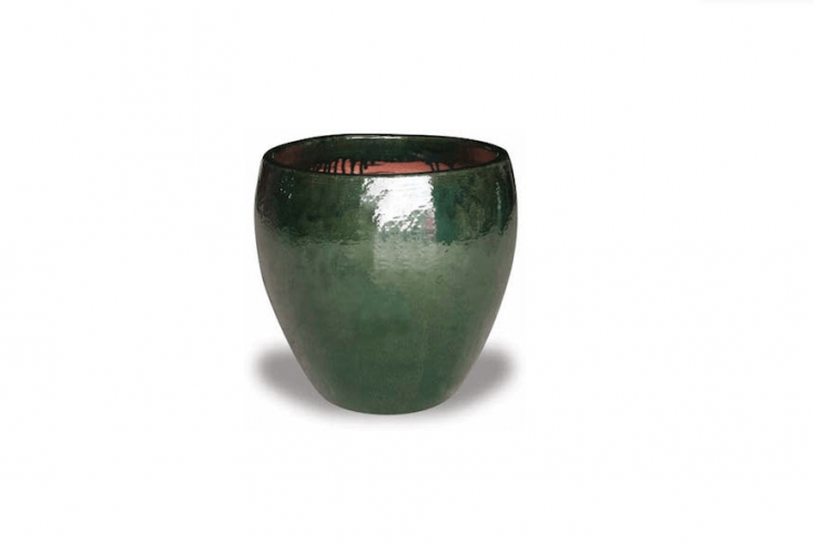 For a textural contrast to red terra cotta, a glazed ceramic Belly Pot is available in nine colors including Jade as shown; for prices and retailers, see The Pottery Patch.
