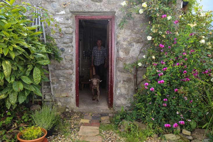 We visited a 0-year-old stone cottage on the west coast of Ireland where Superfolk&#8