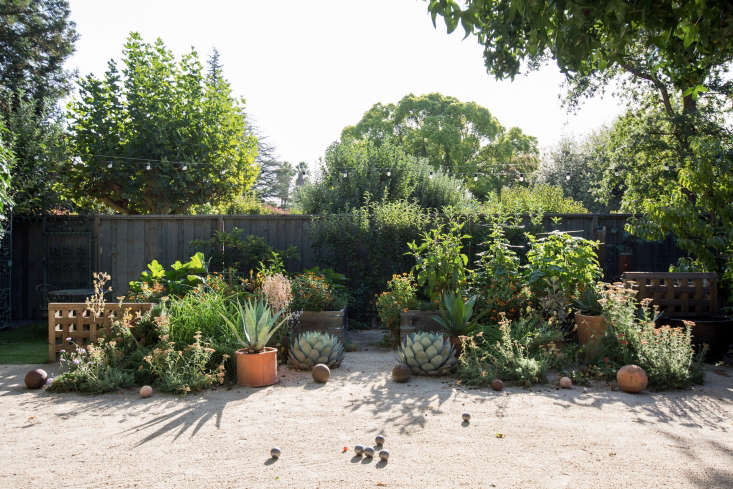 Photograph by Mimi Giboin, from Landscape Design:  Tips for a Fire-Safe Garden.