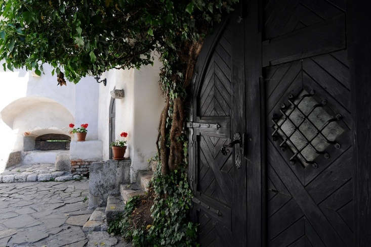 An inner courtyard at Bran Castle. Photograph via Bran Castle.