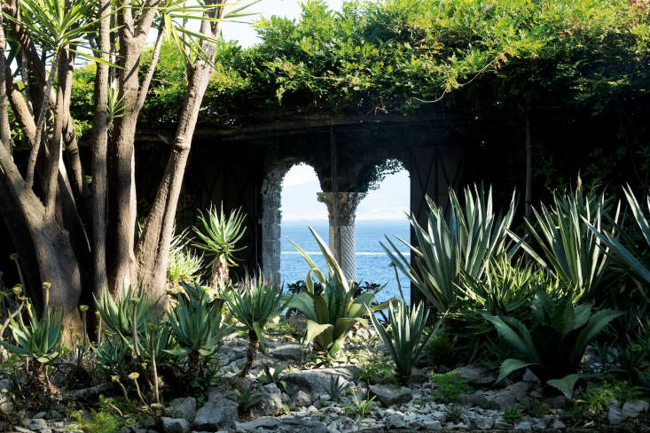 Arguably, Astor's greatest idea was to built up the sea-facing walls of the villa, which were designed with a series of elegant Gothic arched windows.