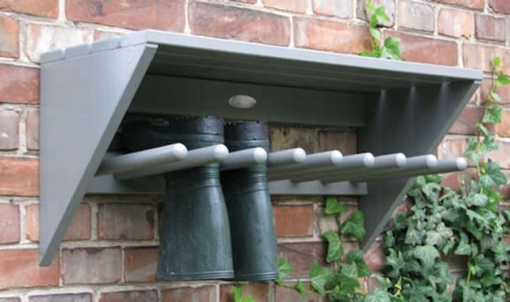 A woodenWall Mounted Rack &#8\2\1\1; Wooden is &#8\2\20;perfect for clearing the porch, hallway or garage from clutter,&#8\2\2\1; notes retailer A Place for Everything. The rack is 76 centimeters (about 30 inches) long, has a storage shelf for hats, and is £59.