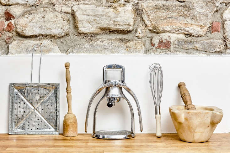 Inspired by chef David Tanis&#8\2\17; kitchen equipment, Annie hunts down five similar vintage wooden potato mashers in this week&#8\2\17;s 5 Favorites post.