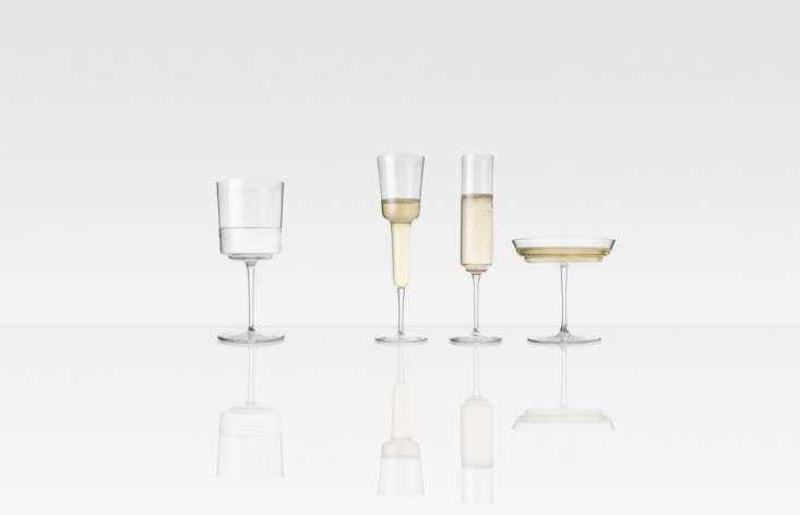 Alexa rounds up &#8\2\20;high-style Champagne flutes, perfect for New Year's toasting&#8\2\2\1; in this week&#8\2\17;s \10 Easy Pieces post.